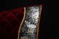 Pearl-Schabracken-Manufaktur-PRE-Barock-Antik-Schabracke-Working-Equitation-Samt-Paisley-Bordeaux-2-scaled-e1605470116361