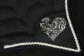 Pearl-Schabracken-Manufaktur-Barockschabracke-Schabracke-Bestickung-Herz-Antikschabracke-Showreiter-geschweift-individuelle-Anfertigung-2-1-scaled-e1605611391102