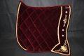 Pearl-Schabracken-Manufaktur-Barock-Antik-Dressur-Working-Equitation-Schabracke-Samt-Bestickung-Dunkelrot-1-scaled-e1605614941229