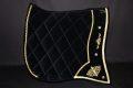 Pearl-Schabracken-Manufaktur-Friese-Barock-Antik-Schabracke-Samt-Bestickung-Gold-massgeschneidert-Massanfertigung-individuelle-Bestickung-scaled-e1605469011612