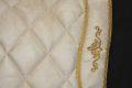 Pearl-Schabracken-Manufaktur-Barock-Antik-Schabracke-Working-Equitation-Dressur-Satteldecke-Bestickung-Gold-Creme-4-scaled-e1605616754257