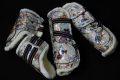 Pearl-Schabracken-Manufaktur-Dressurschabracke-Schabracke-Hologramm-Holofolie-Beige-Nude-Warmblut-Gamaschen-Dressurgamaschen-scaled-e1605349883862
