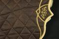 Pearl-Schabracke-Dressurschabracke-Satteldecke-Deluxe-individuell-bestickt-mit-Namen-bestickt-Gold-Kundenanfertigung-Kundenwunsch-spanischer-Sattel-2-scaled-e1617189432589