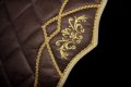 Pearl-Schabracken-Manufaktur-Dressur-Barock-Working-Equitation-Satteldecke-Deluxe-Feike-Warmblut-Kaltblut-Pony-Vollblut-46-scaled-e1606320725506