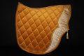 Pearl-Schabracken-Manufaktur-Dressur-Barock-Working-Equitation-Satteldecke-Deluxe-Feike-Warmblut-Kaltblut-Pony-Vollblut-172-1-scaled-e1606205930395