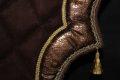 Pearl-Schabracken-Manufaktur-Barockschabracke-Schabracke-Satteldecke-Horse-tack-Friese-Leder-Gold-2-scaled-e1606322247296