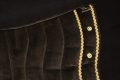 Pearl-Schabracken-Manufaktur-Barockschabracke-Barocksattel-Schabracke-Bestickung-Braun-Gold-individuell-bestickt-individuell-gefertigt-massgeschneidert-2-1-scaled-e1605792679728