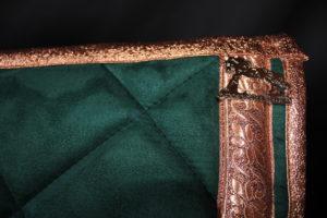Pearl-Schabracken-Manufaktur-Friese-Barock-Antik-Dressur-Working Equitation-Tunierschabracke-Kupfer